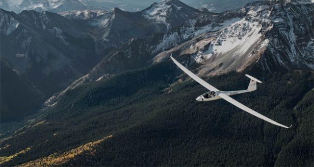 Türk pilot, dünyanın en kuzeyinden en güneyine planörle uçacak