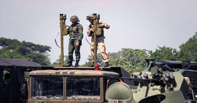 Venezuela Kolombiya sınırında askeri tatbikat başlattı