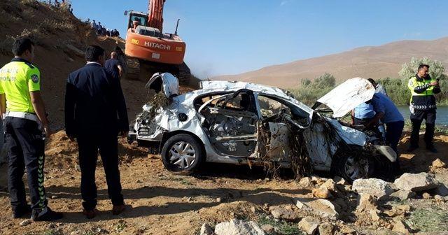 Virajı alamayan otomobil takla attı: 3 ölü, 2 yaralı