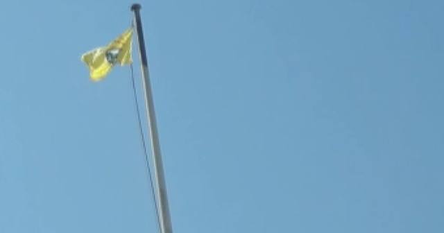 YPG/PKK'dan bayrak oyunu!