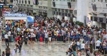 Antalya'da rekor! 10 milyon 765 bin 946 turist geldi