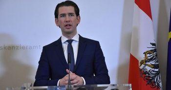 Avusturya'da eski başbakandan başörtüsü yasağı vaadi