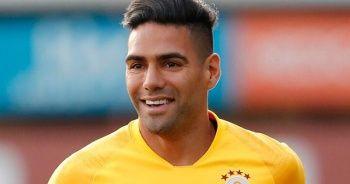 Galatasaray'da yeni transferler ilk idmanlarına çıktı