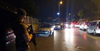 Helikopter havadan, polisler karadan İstanbul'u denetledi
