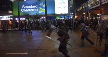 Hong Kong'daki protestolarda göstericilere müdahale
