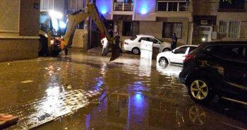 İzmir'de su baskınlarının yaraları sarılıyor
