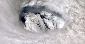 Kasırga uzaydan canlı görüntülendi