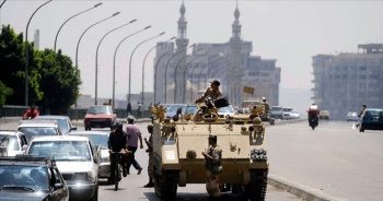 Mısır'da gösterilere katılan yaklaşık bin kişi sorgulandı