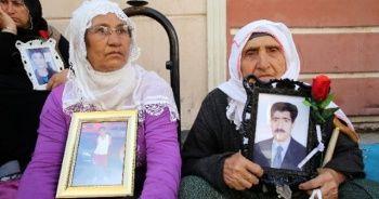 Oturma eylemi yapan Diyarbakırlı anne HDP'li bir kişi tarafından tehdit edildiğini söyledi