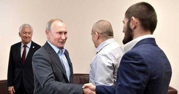 Putin, Müslüman dövüşçü Nurmagomedov ile bir araya geldi