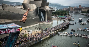 Red Bull Cliff Diving'de son durak Bilbao