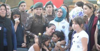 Şehit Özel Harekat Müdürü'nün cenazesinde yürek yakan görüntü