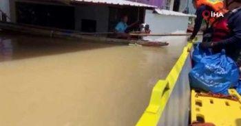 Tayland'daki sel felaketinde 32 kişi hayatını kaybetti