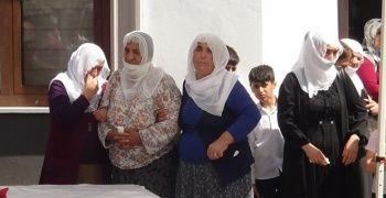 Teröristlerin katlettiği köylülerden geriye 13 yetim kaldı