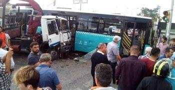 Ümraniye'de kaza: 9 kişi yaralandı