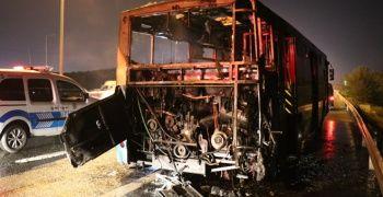 Ümraniye'de özel halk otobüsü alev alev yandı