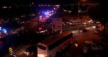 Yolcu otobüsü ile tur otobüsü çarpıştı