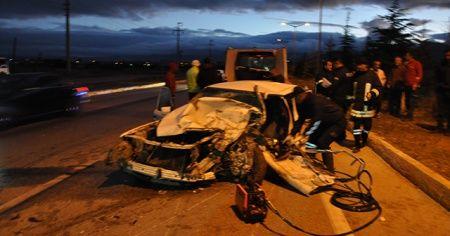 Afyonkarahisar'da kaza, ölü ve yaralılar var