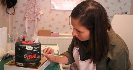 Atanamayan matematik öğretmeni, mesleğini pastalarına yansıtıyor