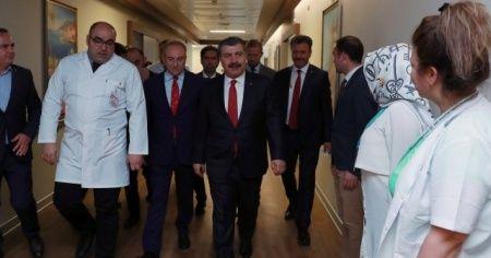 Bakan Koca'dan Fatma Girik'e hastanede ziyaret