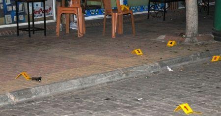 Çay içerken tartıştığı arkadaşını tabancayla vurup kaçtı