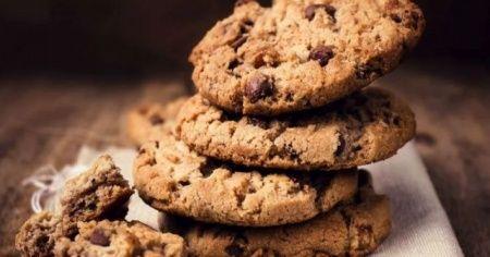 Çikolatalı kurabiye tarifi, çikolatalı kurabiye nasıl yapılır? Çikolatalı çatlak kurabiye malzemeler
