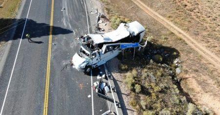 Çinli turistleri taşıyan otobüs kaza yaptı