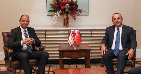 Dışişleri Bakanı Çavuşoğlu, KKTC'li mevkidaşıyla görüştü