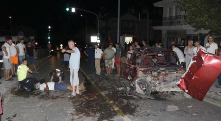Muğla'da iki otomobil çarpıştı: 2 yaralı