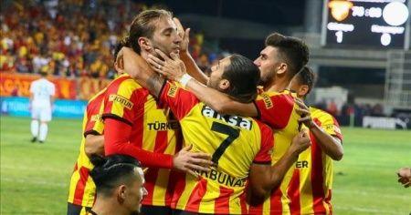 Süper Lig'de Göztepe ilk galibiyetini aldı