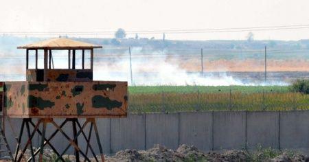 Teröristler sınır boyunu ateşe verdi