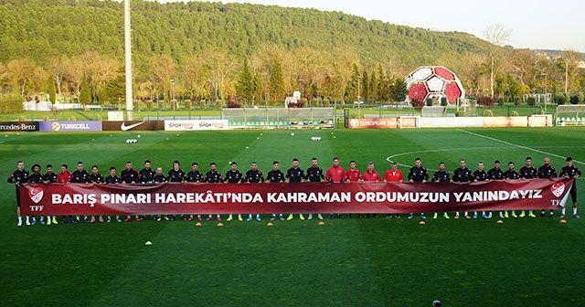 A Milli Futbol Takımı'ndan Mehmetçik'e destek