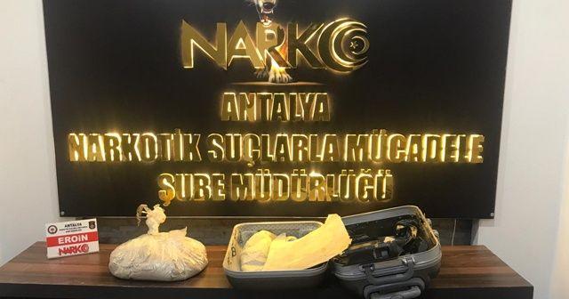 Antalya Havalimanı'nda uyuşturucu madde yakalandı