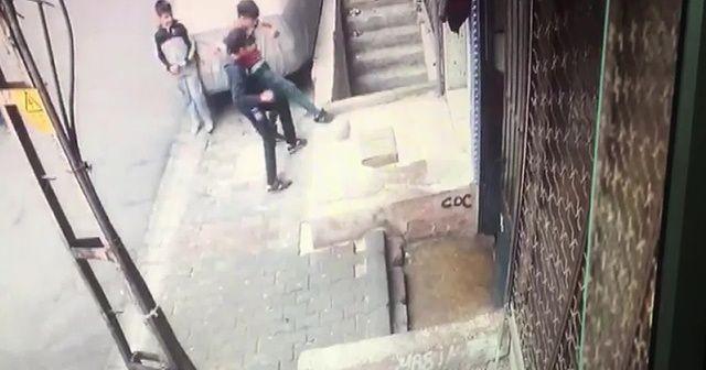 Oyun oynayan çocuğun merdiven boşluğuna düştü