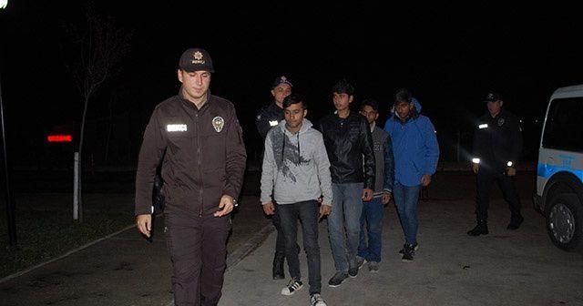Polisin şüphelendiği 4 yaya kaçak çıktı