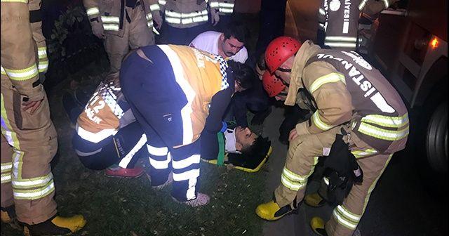 Sarıyer'de demir parmaklıklara sıkışan vatandaşı itfaiye kurtardı