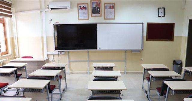 Şırnak'ta sınıra yakın okullarda eğitime 2 gün ara verildi