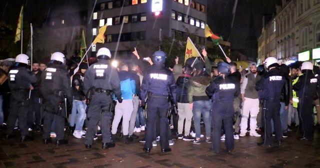 Terör örgütü yandaşları Türk gençlere saldırdı