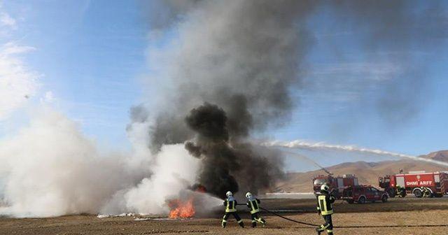 Yüksekova Selahaddin Eyyubi Havalimanı'nda yangın tatbikatı