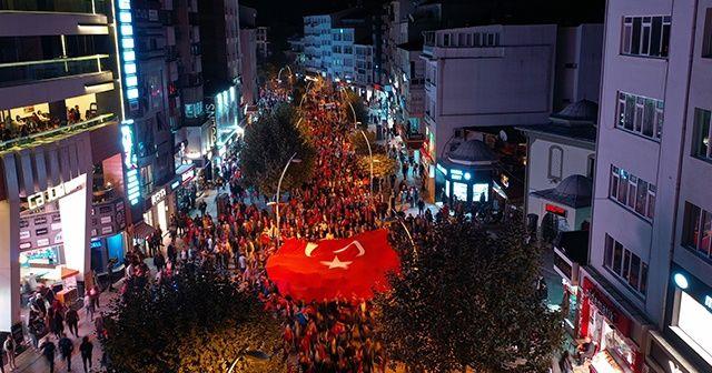 Yüzlerce kişi Barış Pınarı Harekatı'na destek için yürüdü