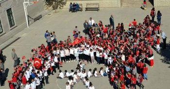 Barış Pınarı Harekatı'na öğrencilerden destek