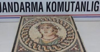 Bursa'da 2 bin yıllık mozaik tablo ele geçirildi