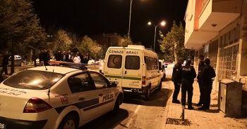 İki genç evde ölü bulundu
