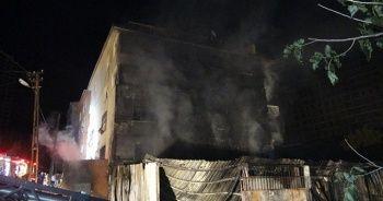 Kartal'da mobilya atölyesinde çıkan yangın güçlükle söndürüldü