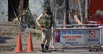 Keşmir'de bombalı saldırı! Çok sayıda yaralı var