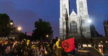 Londra polisinden 276 iklim değişikliği protestocusuna gözaltı