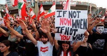 Lübnan'da hükümetin son kararlarına rağmen gösteriler sürüyor