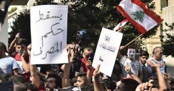 Lübnan polisi 70 göstericiyi gözaltına aldı