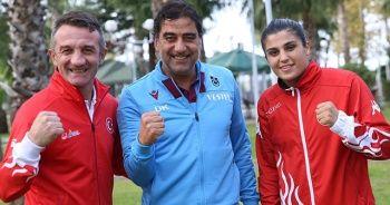Milli boksör Busenaz Sürmeneli, Ünal Karaman'ı ziyaret etti