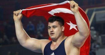 Milli güreşçi Rıza Kayaalp şampiyon oldu
